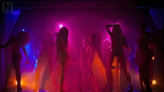 фото приватный танец в клубе фото